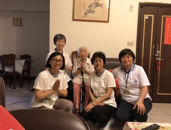 http://tclotus.net/uploads/tadgallery/2019_07_06/137_1080620周潔芳師姑.jpg